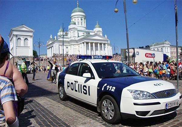Policía Helsinki Finlandia