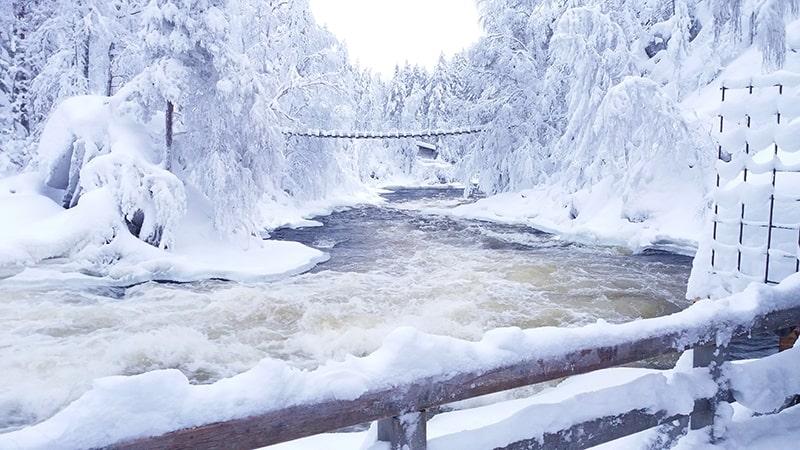 Río Kainuu invierno